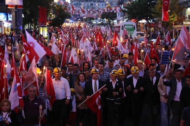 Başkan Kılıç, 19 Mayıs Ata'yı Anma Yürüyüşünde tek yürek oldu